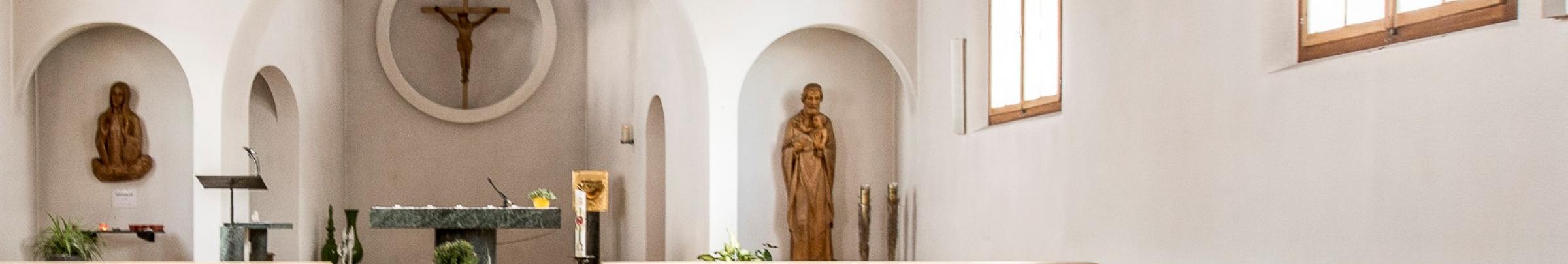 Angebote der Kirchen und Glaubensgemeinschaften für ältere Menschen finden sich u.a. in den Bereichen von Seelsorge, Beratung und Begleitung.